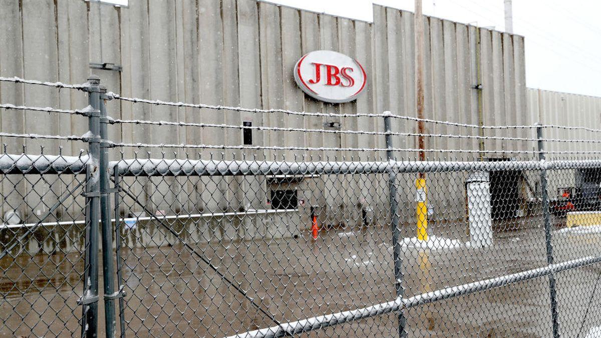 Meatpacking plant employee dies from coronavirus a week before retirement