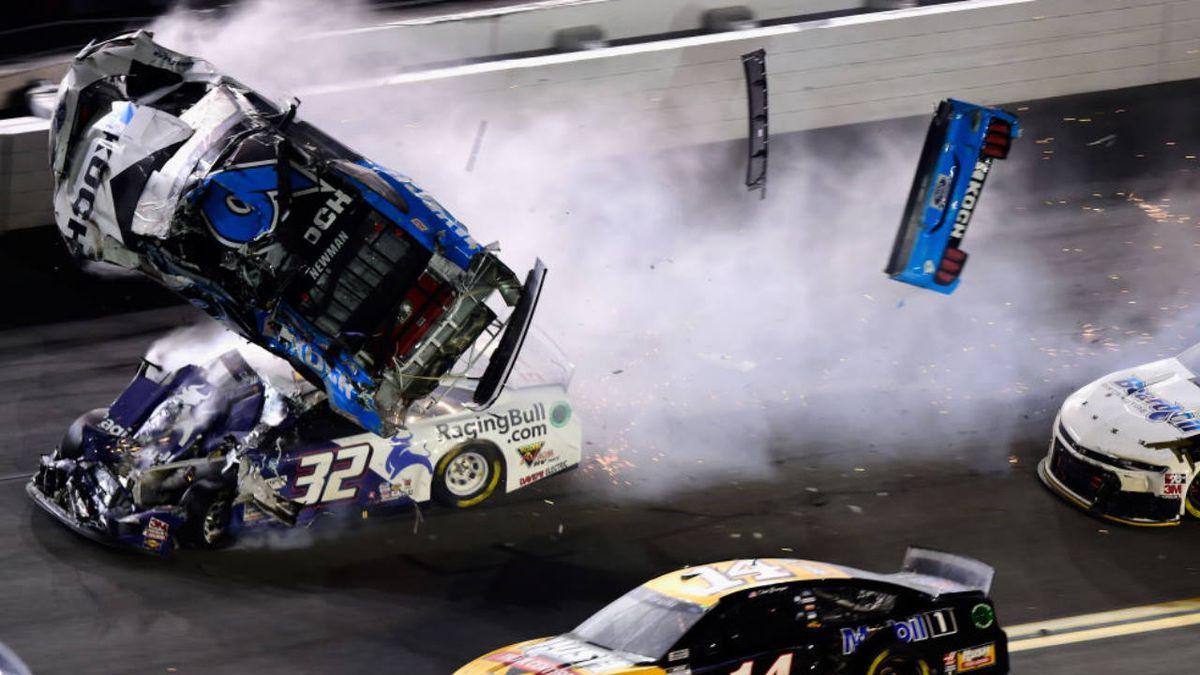Denny Hamlin wins Daytona 500 in photo finish; Ryan Newman has fiery crash at finish