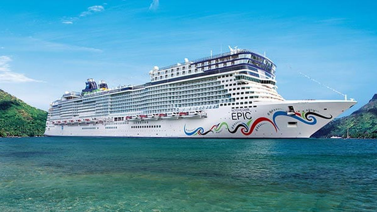 Port Canaveral-based cruise ship crashes into dock in Puerto Rico