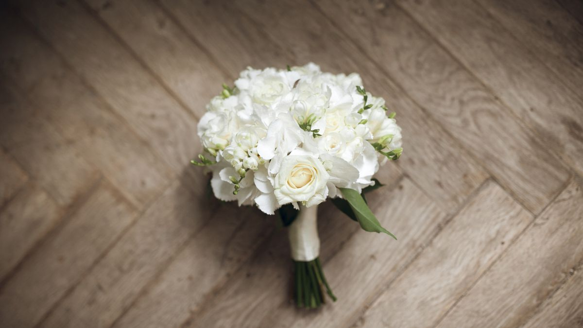 Bride, groom adjust wedding plans, have grandmothers step in as bridesmaids