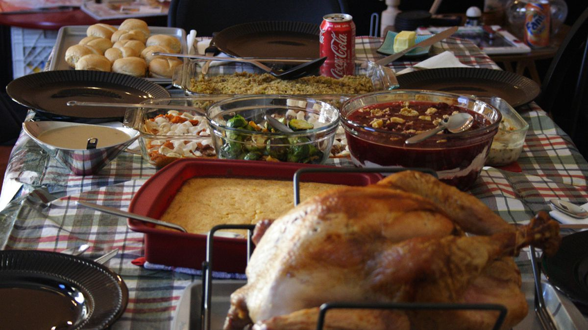 Teen has Thanksgiving dinner with grandma who accidentally texted him an invite