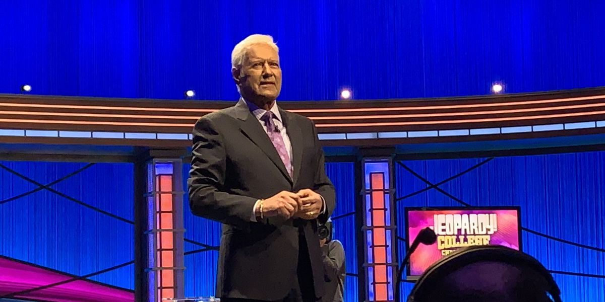 'I'm gonna keep hosting': Alex Trebek talks about his cancer treatment, future with 'Jeopardy!'