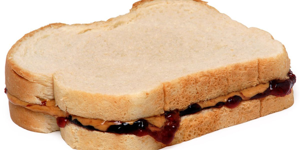 6-year-old collects 1,000 jars of PB&J to help feed hungry Florida classmates