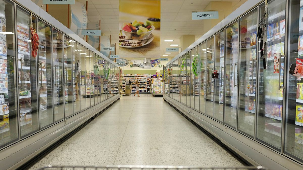 Coronavirus: Which local groceries stores have special senior shopping hours?