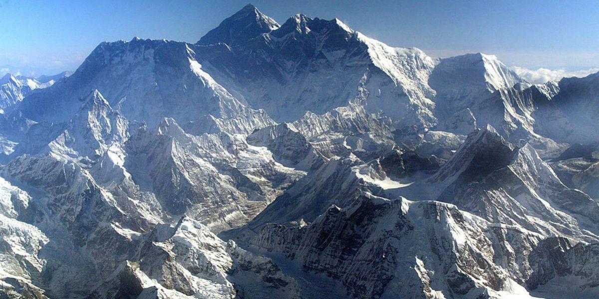 Nepal bans single-use plastics near Everest