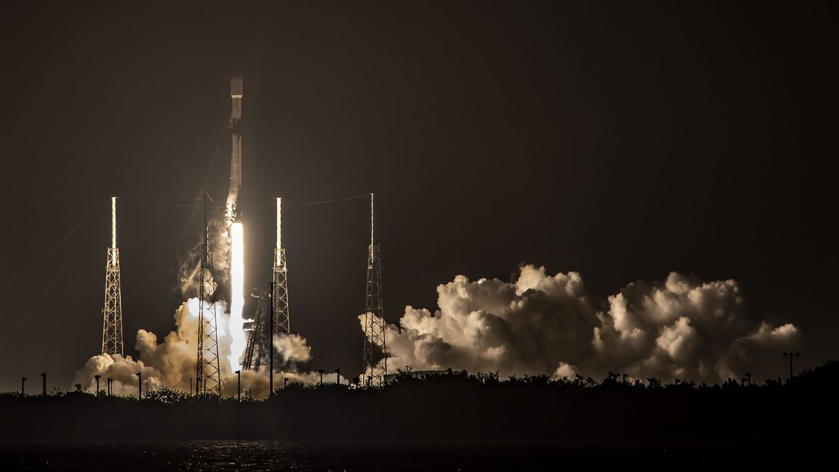 SpaceX successfully launches Starlink satellites from Cape Canaveral