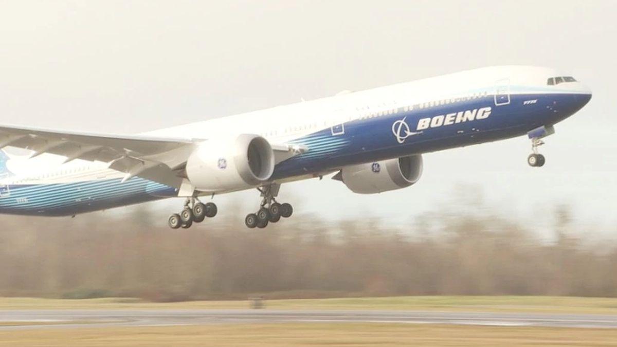 Boeing 777X takes inaugural flight