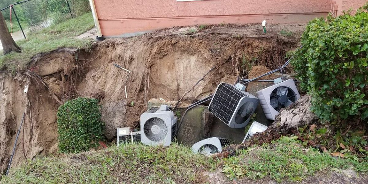 Possible sinkhole opens at apartment complex during Hurricane Irma