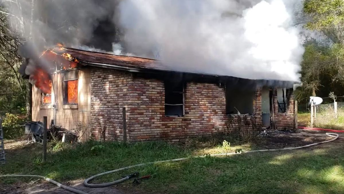 1 dead following Marion County house fire, officials say