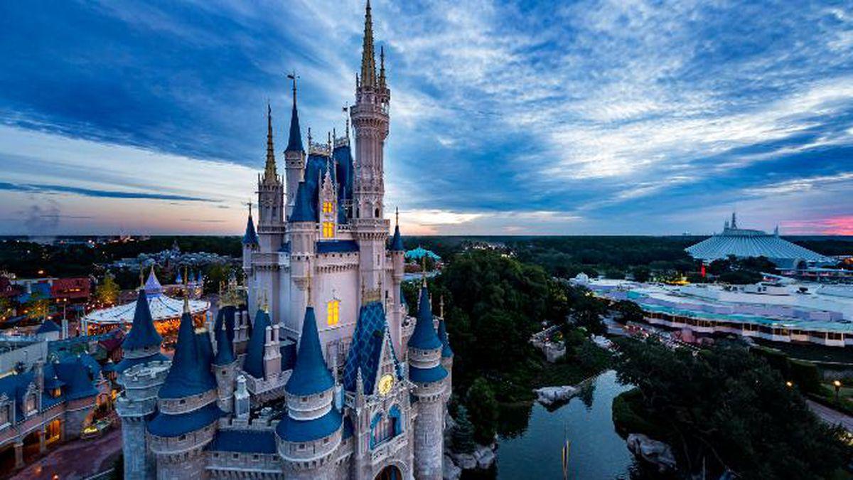 Walt Disney World to unveil license plate celebrating 50th anniversary