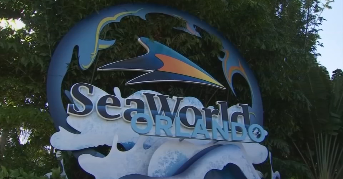 SeaWorld Orlando furloughed employee concerned after seeing similar job opening online