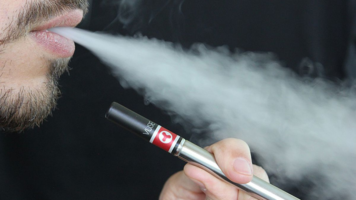 9 facts about vaping, linked disease and death