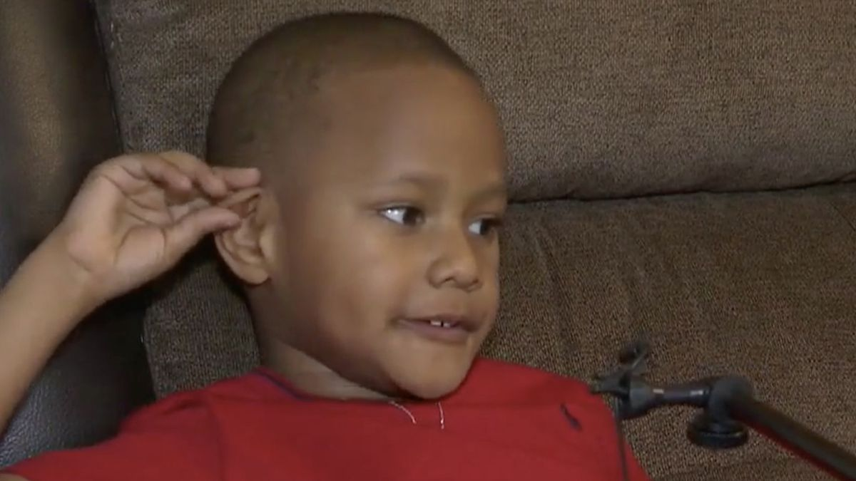 5-year-old boy collects Easter baskets for children whose parents were laid off