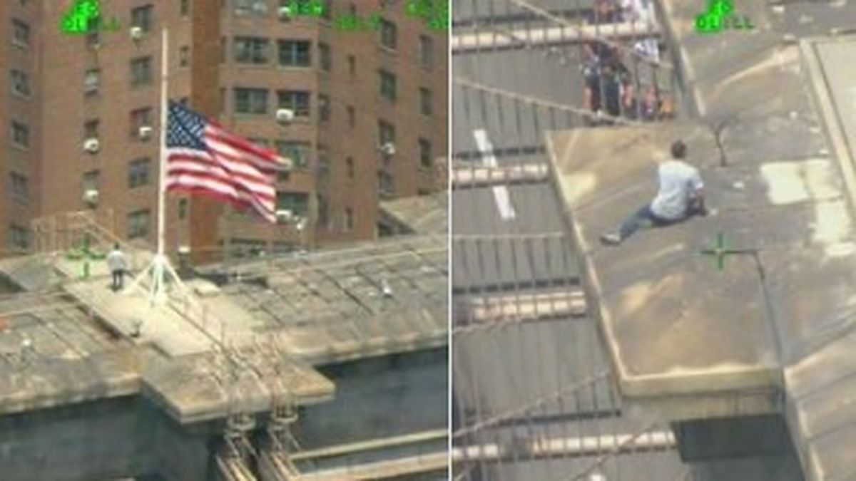 Brooklyn Bridge closed while NYPD rescue man who climbed to top