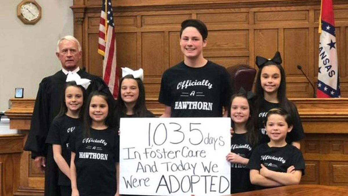 An early Christmas present: Couple adopts 7 siblings out of foster care