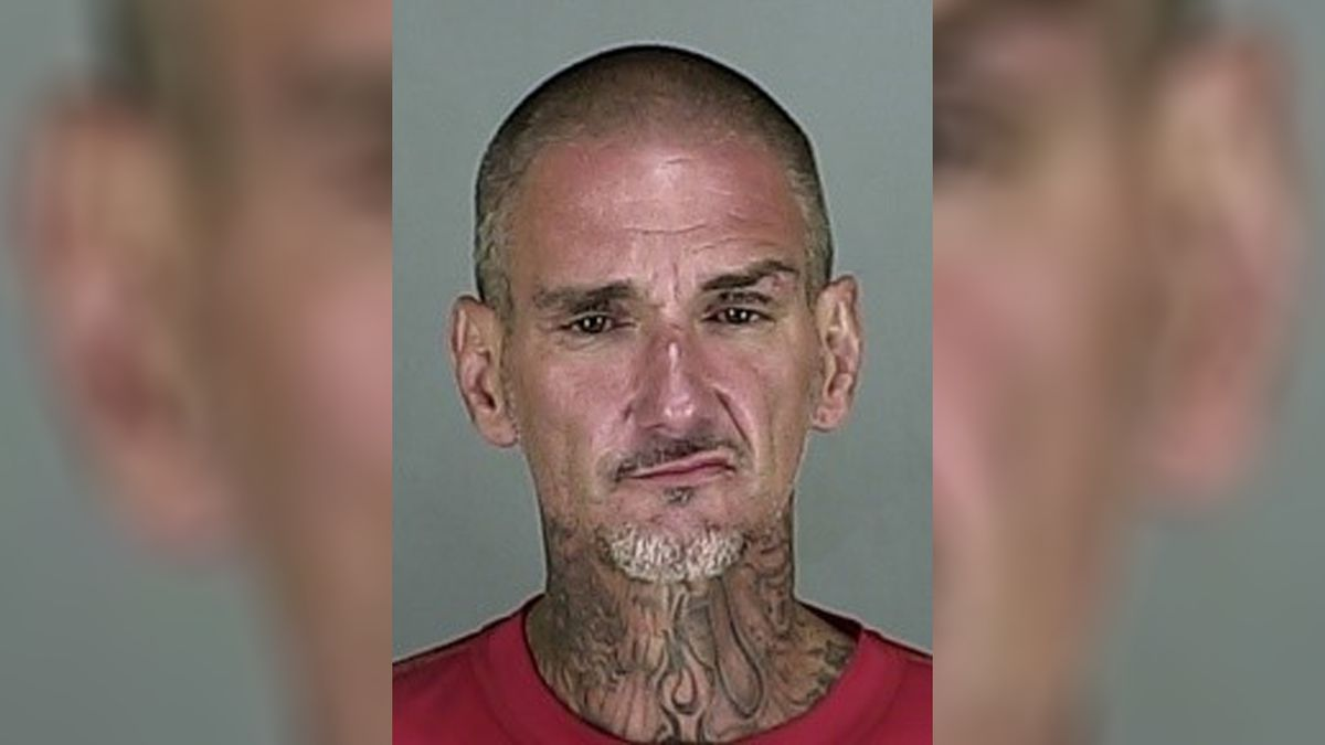 Drunken Ohio man damages Subway restaurant, makes own sandwich, puts cheese in pocket, police say