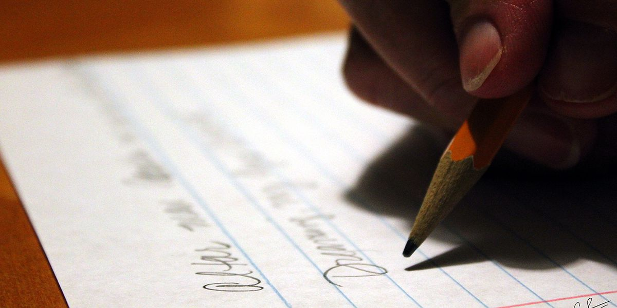 College student 'grades' apology letter from ex-girlfriend