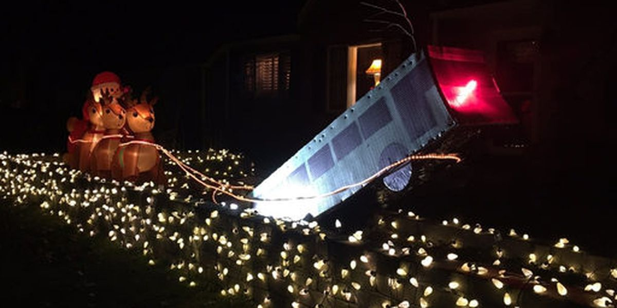 Port Authority sinkhole bus featured in family's Christmas display